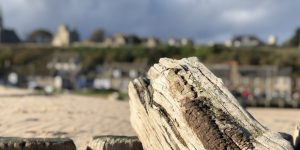 Prospect Terrace Lossiemouth out of focus from the East Beach